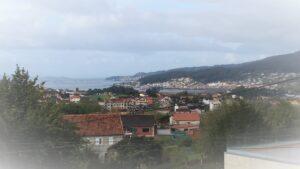 Rías bajas, Pontevedra. El monte abrazando al oceao